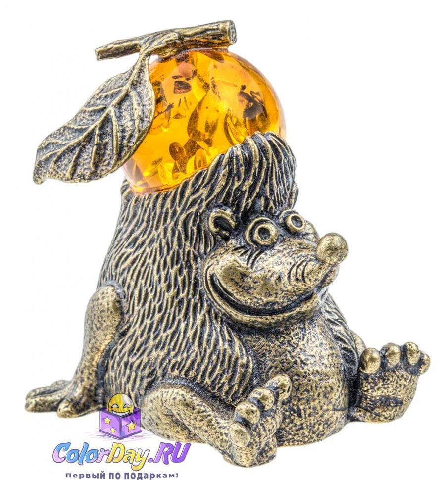 бронзовая фигурка Ежик с Яблоком из янтаря купить